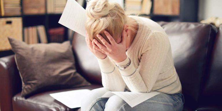 7 Cara Ampuh Mencegah Stress Eating saat Kamu Mengurung Diri di Rumah
